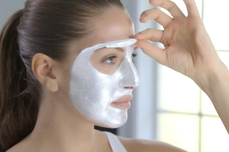 comment appliquer un masque pour point noir sur le visage